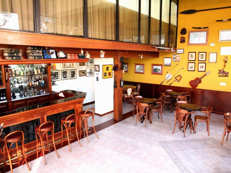 Flat Petras Residence Bar