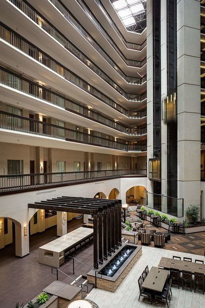 Embassy Suites by Hilton Dallas Love Field Terrasse