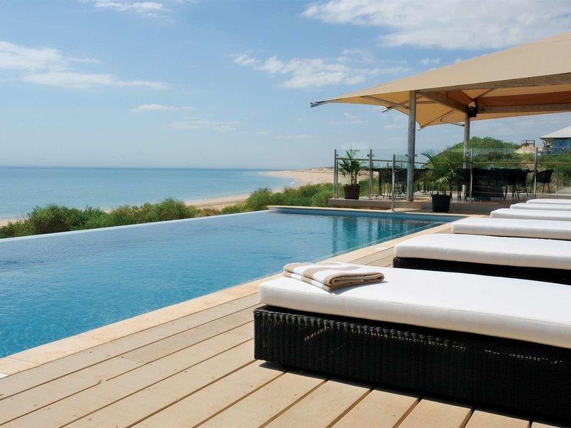Ramada Eco Beach Pool