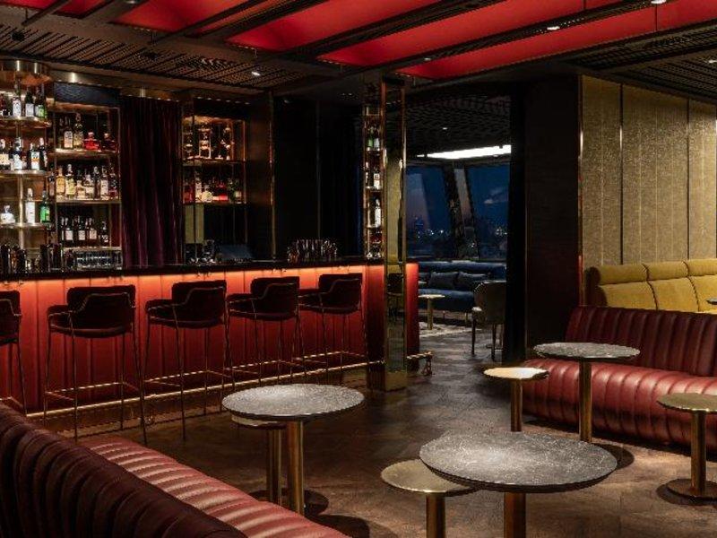 11 Mirrors Design Hotel Bar