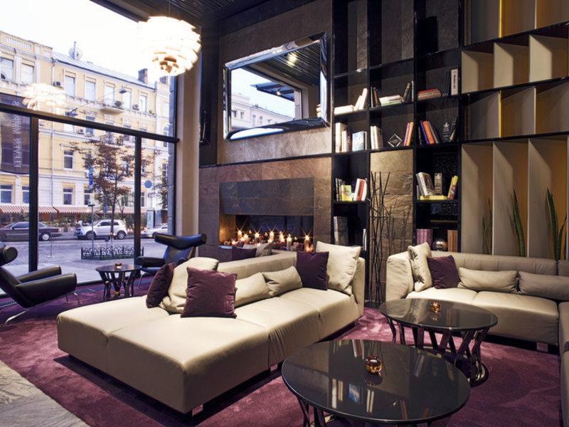 11 Mirrors Design Hotel Lounge/Empfang
