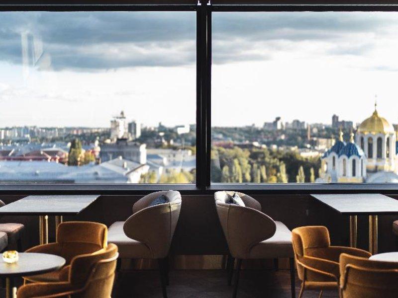 11 Mirrors Design Hotel Restaurant