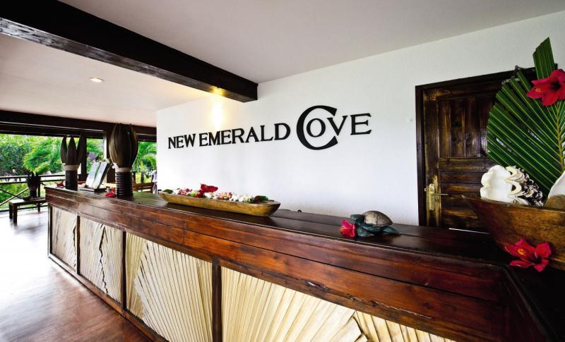 New Emerald CoveBar