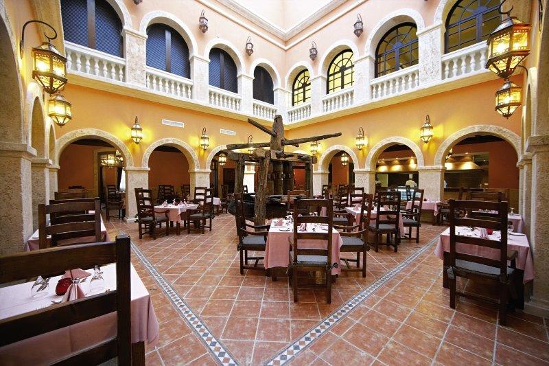 Majestic Elegance ClubRestaurant