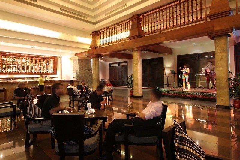 Angkor Miracle Resort & Spa Bar