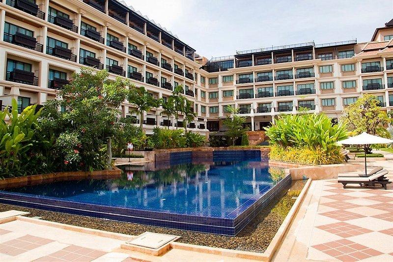 Angkor Miracle Resort & Spa Pool