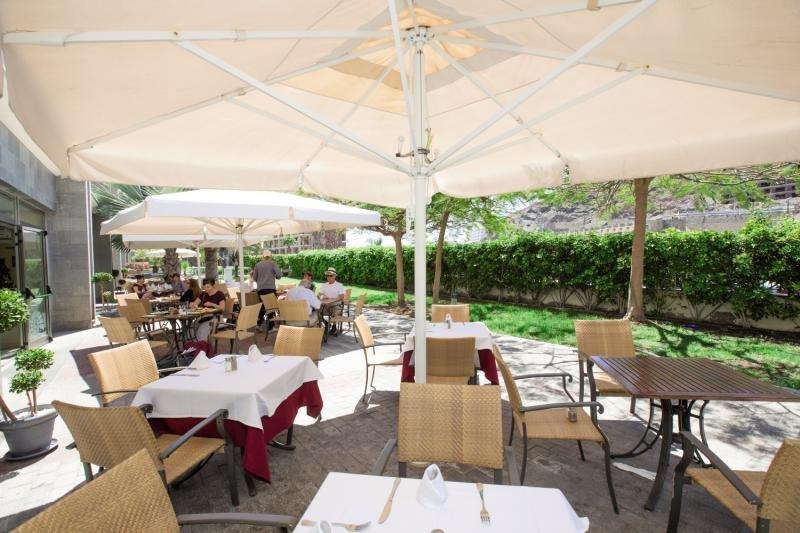 Paradise Costa TauritoRestaurant