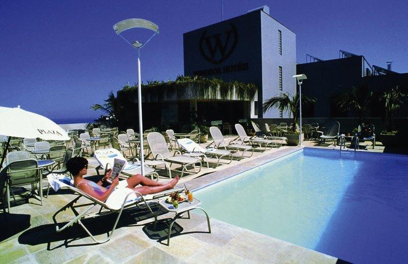 Windsor Plaza Pool