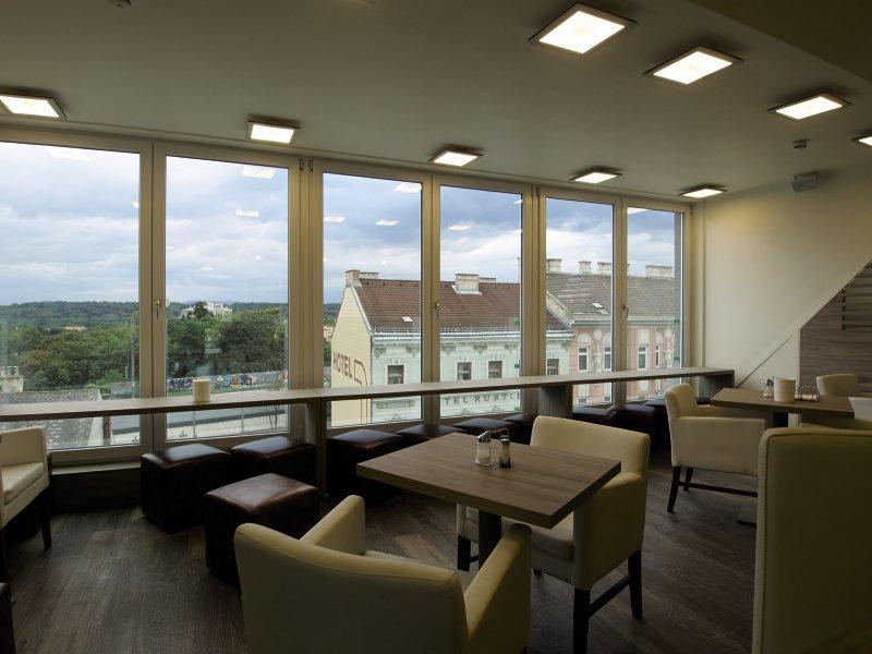 HB1 Design & Budget Hotel Wien-Schönbrunn Frühstücksraum