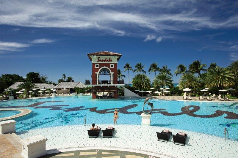 Sandals Grande Antigua Resort & Spa Pool