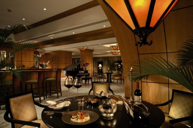 Le Royale Collection Luxury Resort  Bar