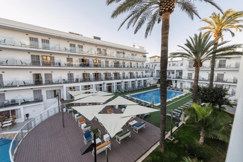 Eix Alcudia - Erwachsenenhotel Terrasse