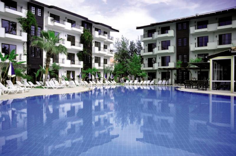 Lemas Suite Pool