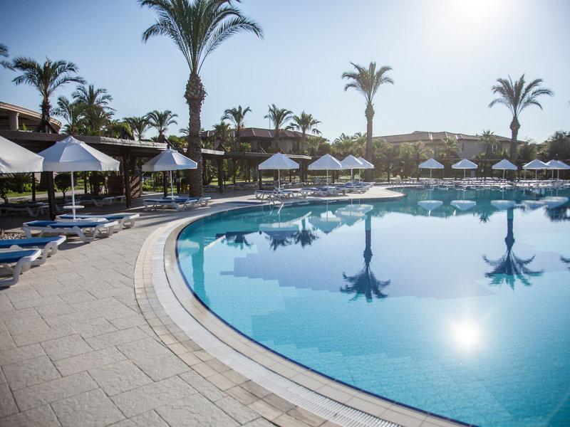 TUI BLUE Palm Garden Pool