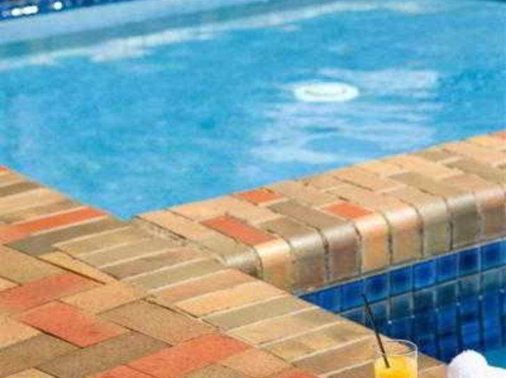 Rydges Geelong Pool