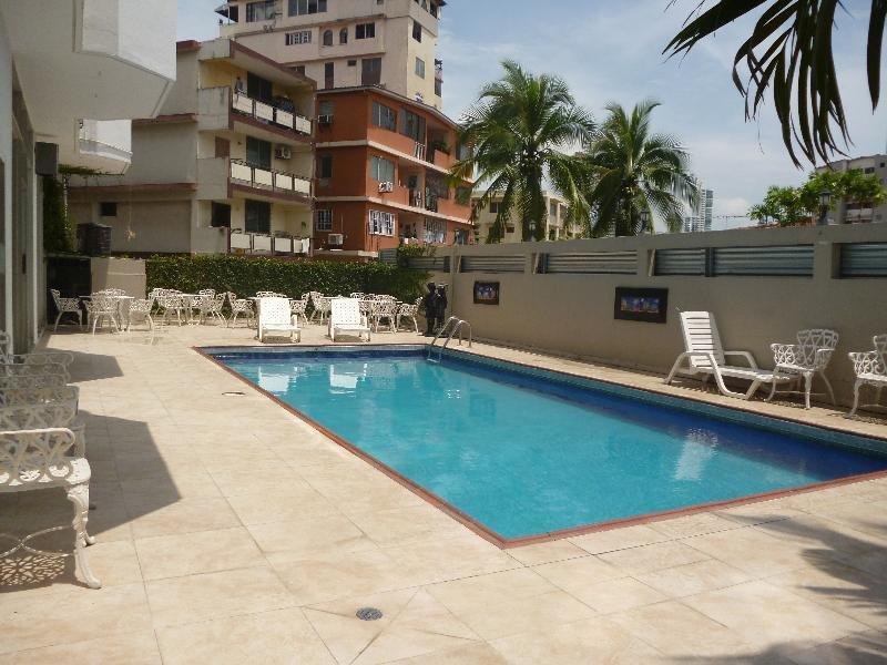 Aramo Pool