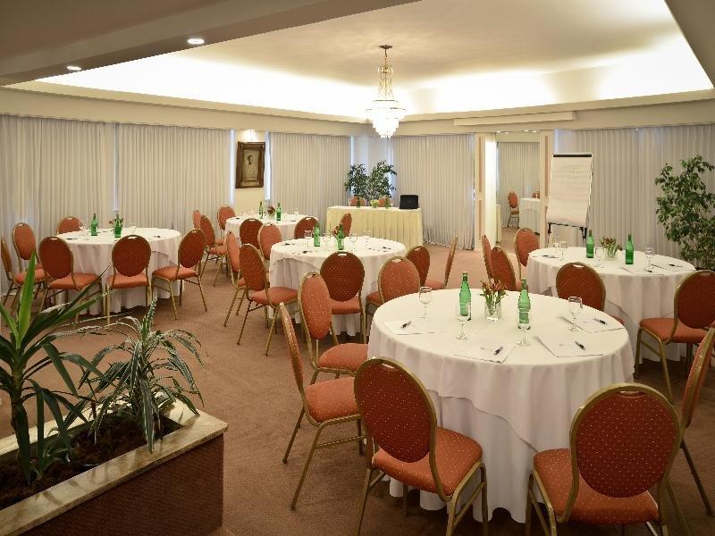 Iruna Restaurant