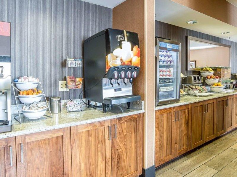 Comfort Inn & Suites Market Place - Airport Restaurant