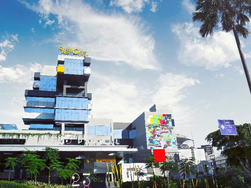 YELLO Paskal Bandung Außenaufnahme