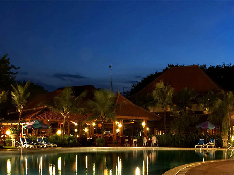 Singgasana Surabaya Pool