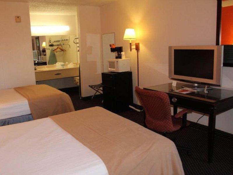 Clarion Inn & Suites  Wohnbeispiel