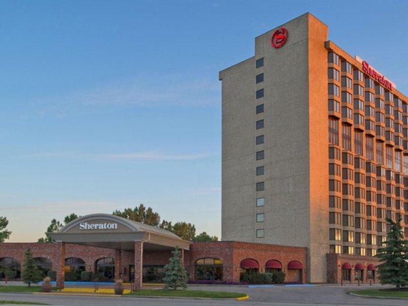 Sheraton Red Deer Hotel Außenaufnahme