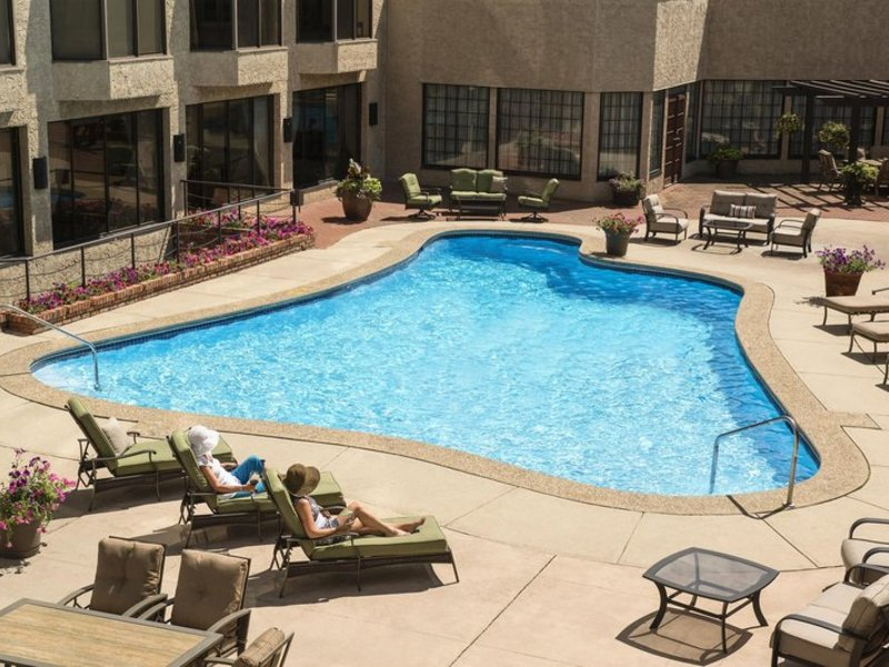 Sheraton Red Deer Hotel Pool