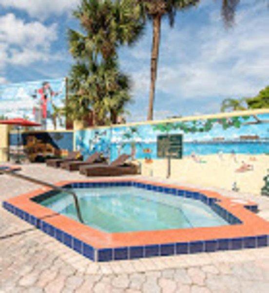 Clarion Inn & Suites  Pool