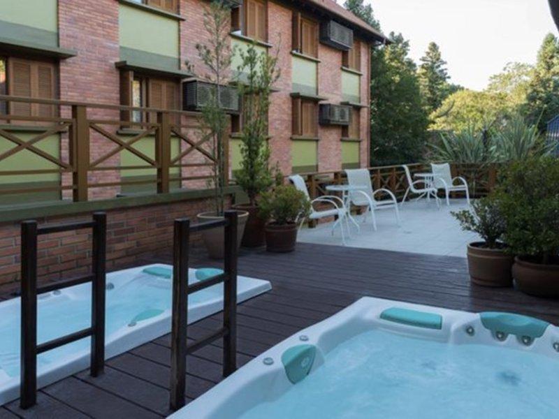 Laghetto Gramado Pool