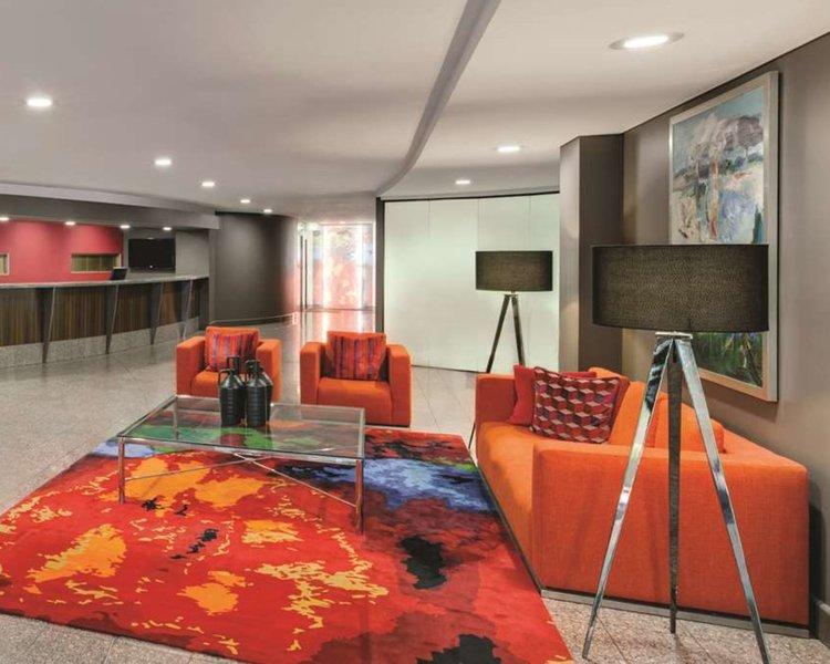 Medina Serviced Apartments Canberra James Court Lounge/Empfang