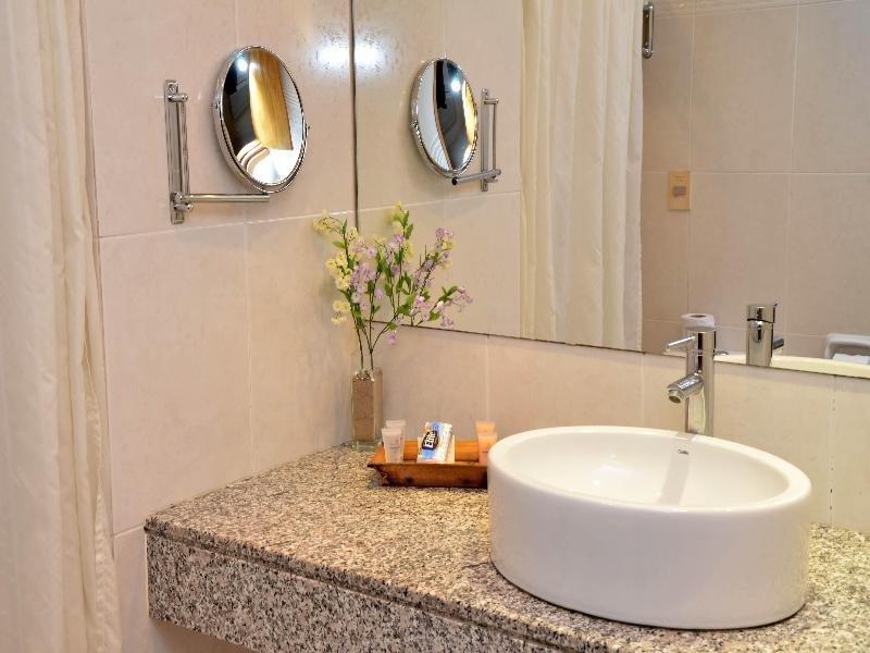 Armon Suites Badezimmer