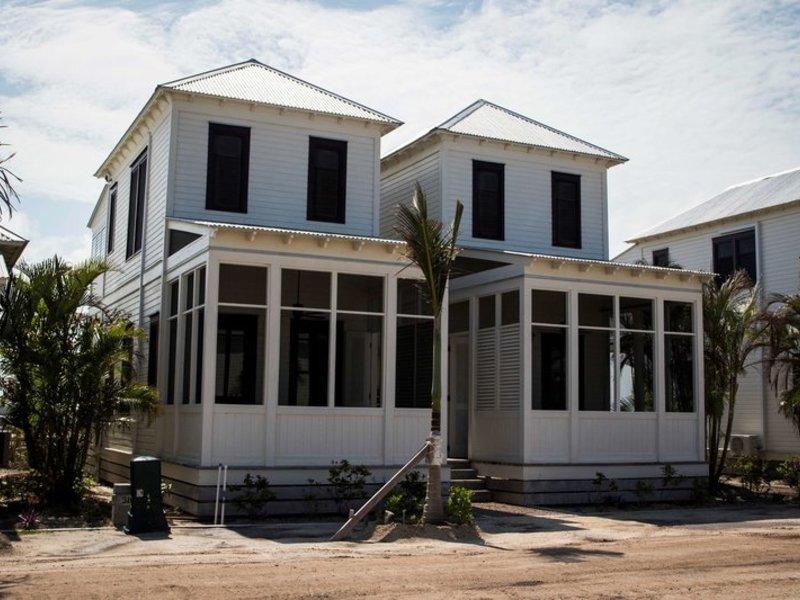 Mahogany Bay Resort & Beach Club, Curio Collection by Hilton Wohnbeispiel
