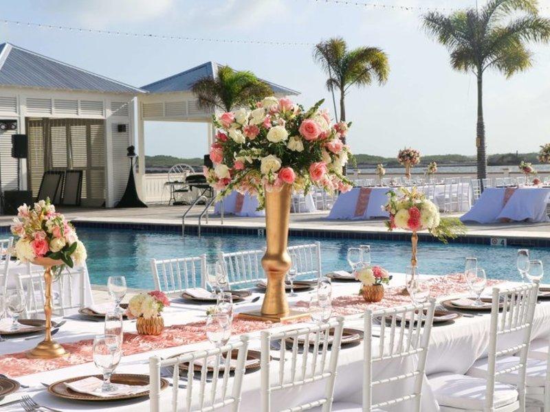 Mahogany Bay Resort & Beach Club, Curio Collection by Hilton Terrasse
