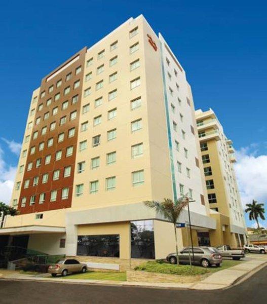 Hotel Express Vieiralves Außenaufnahme