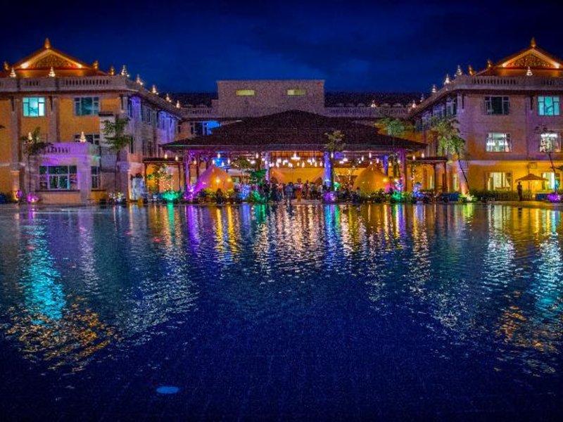 Sokha Siem Reap Resort & Convention Center Pool