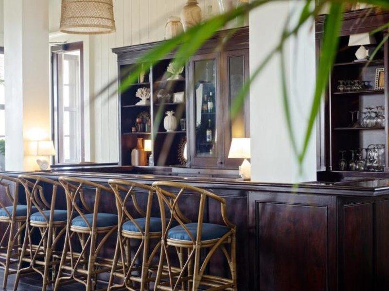 Mahogany Bay Resort & Beach Club, Curio Collection by Hilton Bar