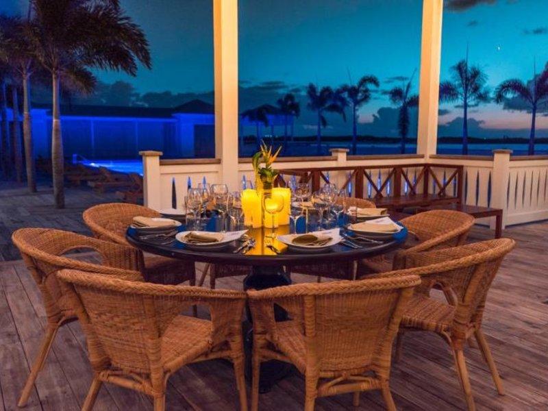Mahogany Bay Resort & Beach Club, Curio Collection by Hilton Restaurant