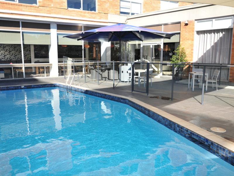 Royal Pacific Hotel Pool