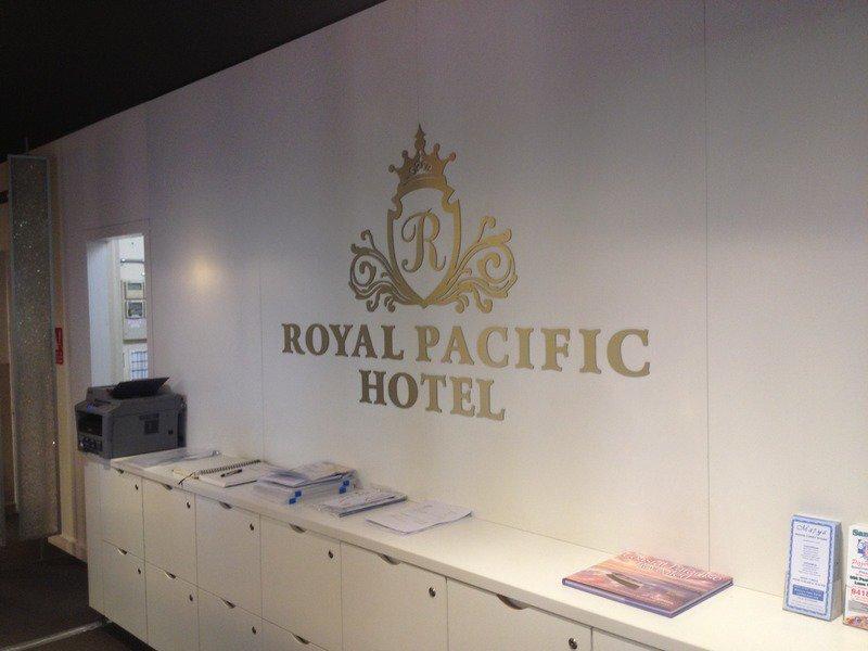 Royal Pacific Hotel Badezimmer