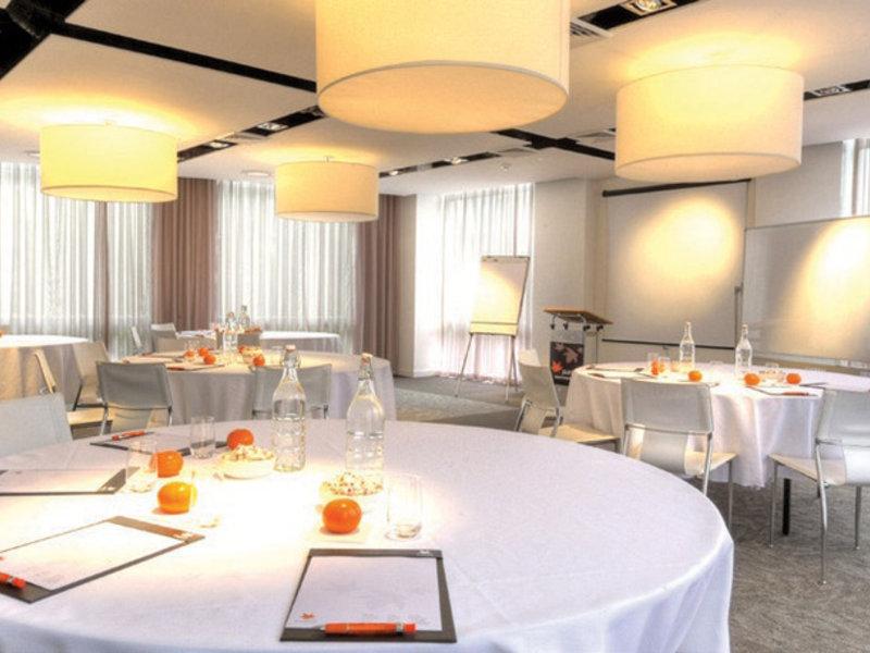 Royal Pacific Hotel Konferenzraum
