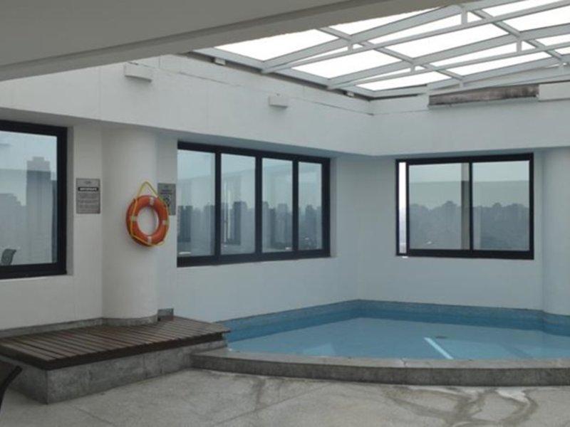 Estanplaza Berrini Pool