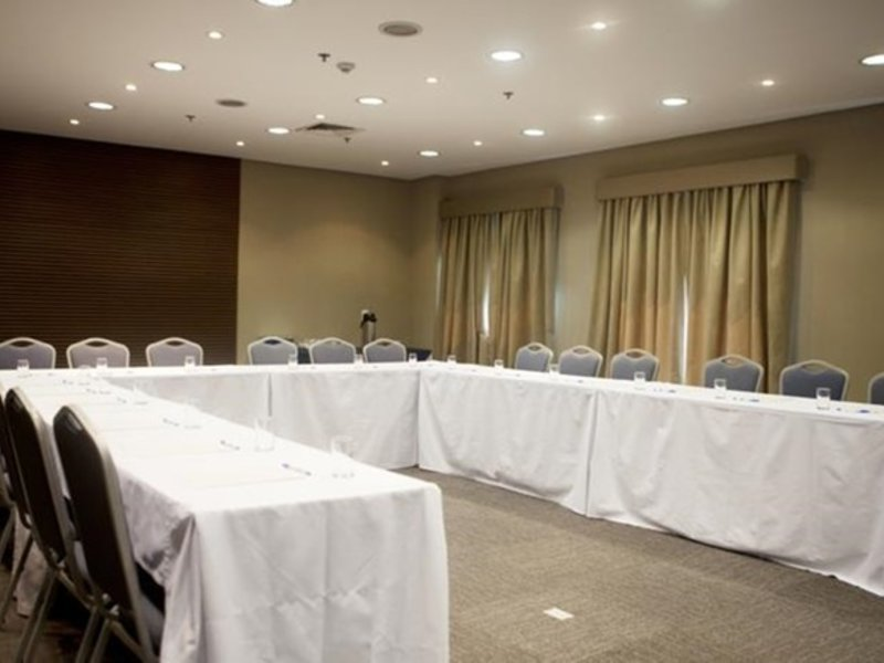 Estanplaza Berrini Konferenzraum