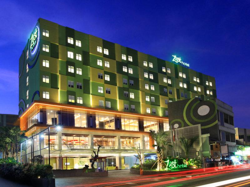 Zest Hotel Sukajadi Bandung Außenaufnahme