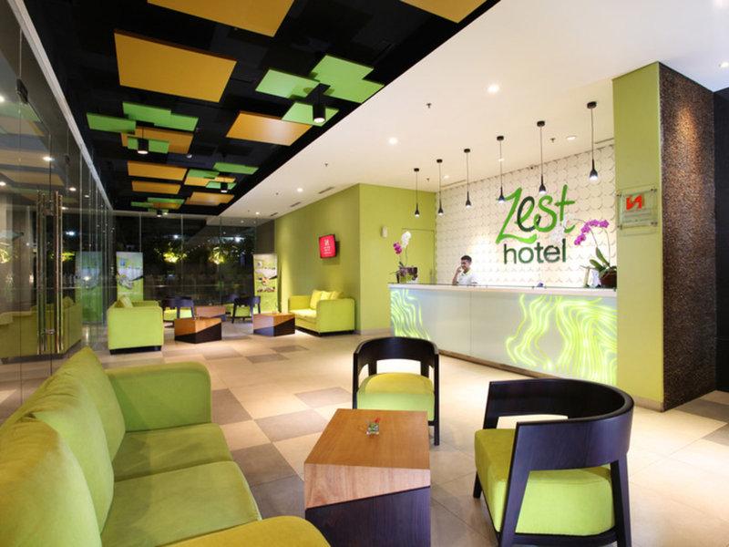 Zest Hotel Sukajadi Bandung Bar