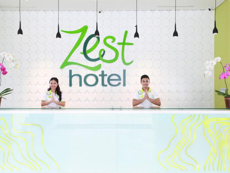 Zest Hotel Sukajadi Bandung Hallenbad
