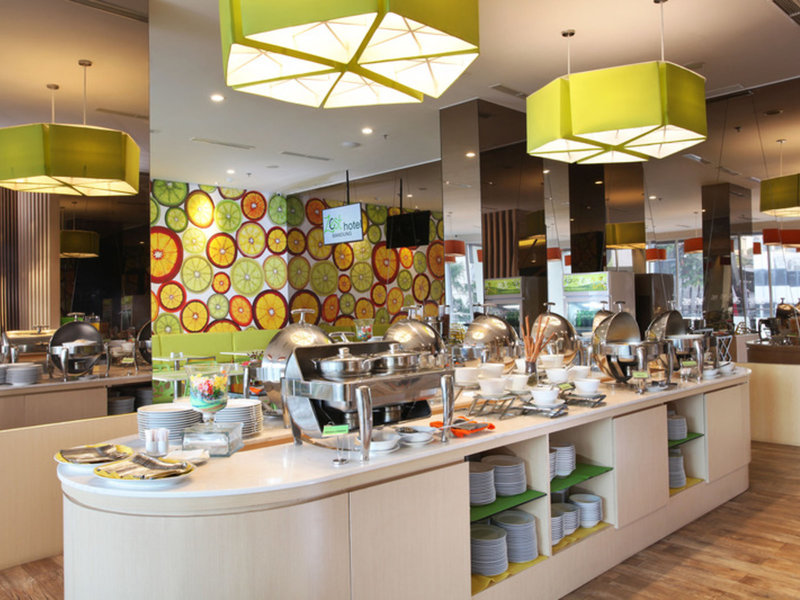 Zest Hotel Sukajadi Bandung Restaurant