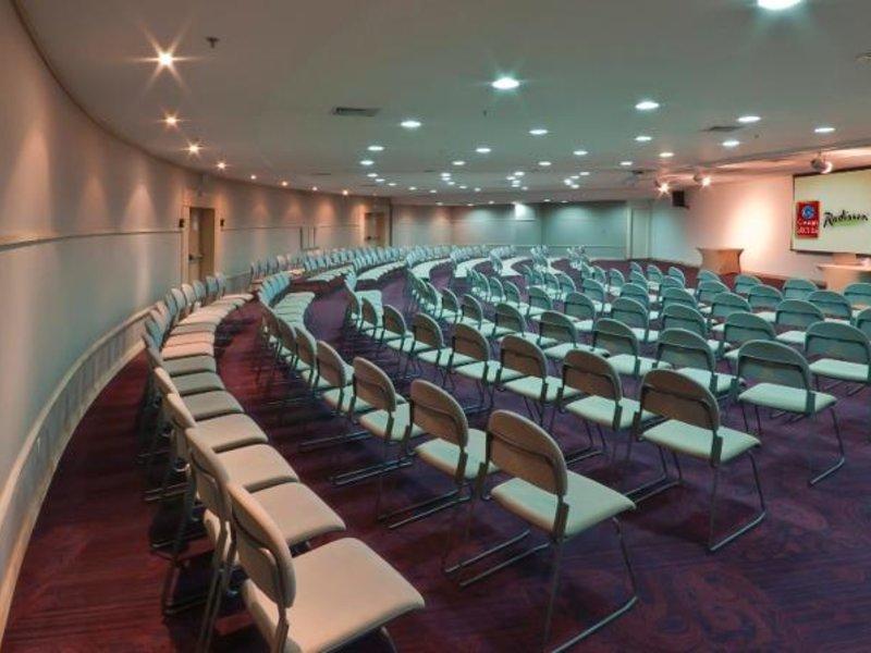 Radisson Hotel Alphaville Konferenzraum