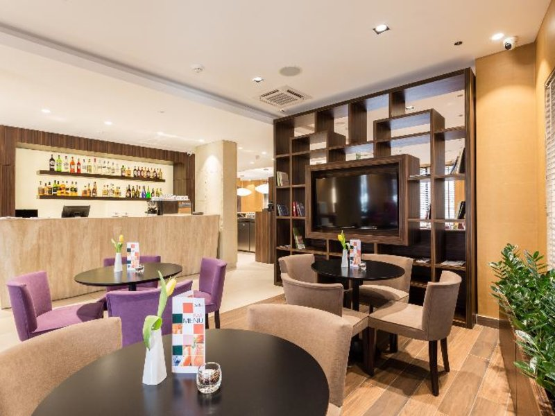 DeSilva Premium Poznan Lounge/Empfang