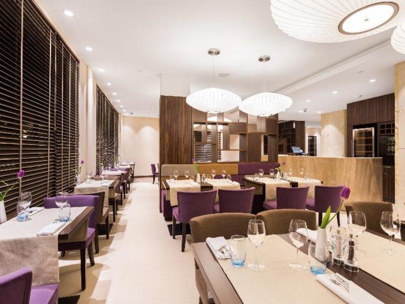 DeSilva Premium Poznan Restaurant