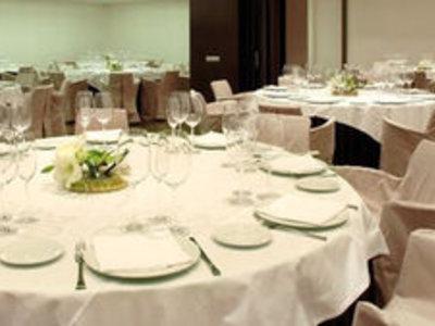Barcelo Oviedo Cervantes Restaurant
